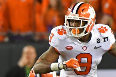 CFB notebook: Clemson QB Bryant exits with chest bruise