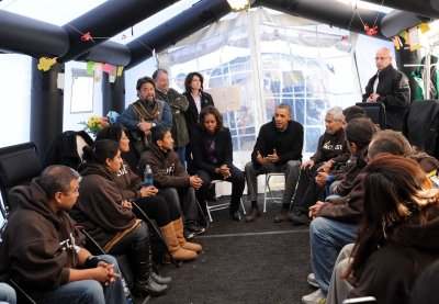 Obamas visit fasting immigration reform activists in Washington