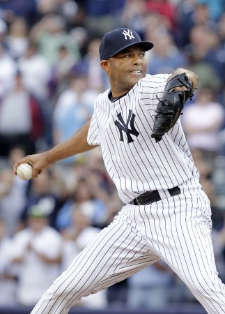 Yankees' Rivera hints at retirement
