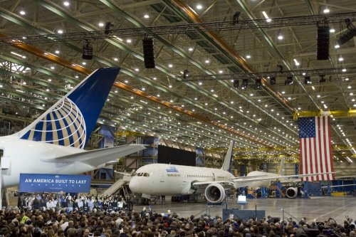 Obama touts industry at Boeing plant