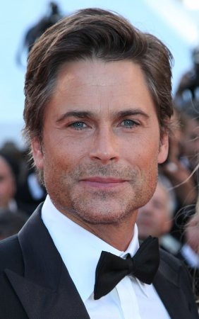 Rob Lowe pitches in on dog rescues