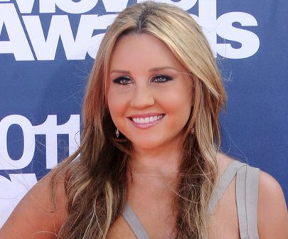Amanda Bynes posts rare update: 'I am really loving school'