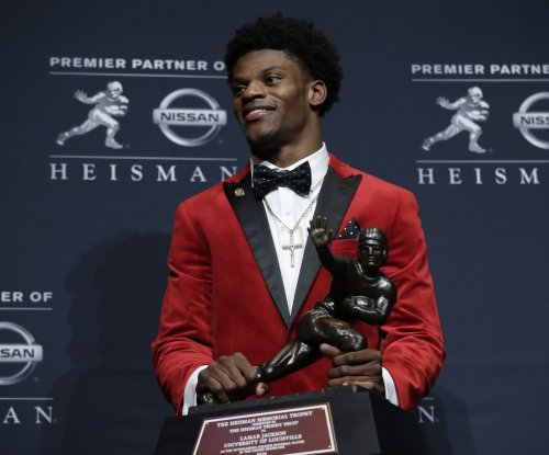 Louisville Cardinals QB Lamar Jackson heads AP All-America team