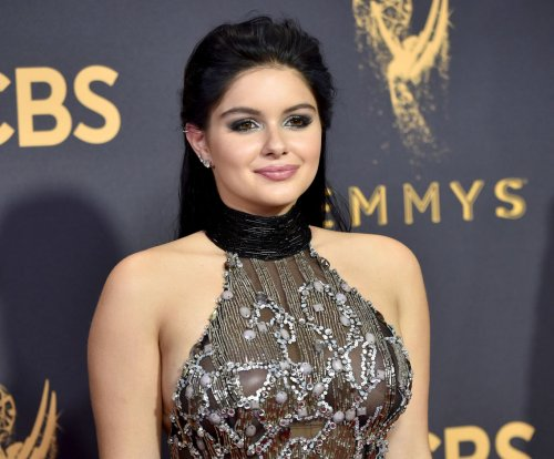 Ariel Winter's mom says star's clothes are 'cry for help'