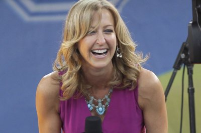 'GMA' co-host Lara Spencer marries Rick McVey; shares photos on Instagram