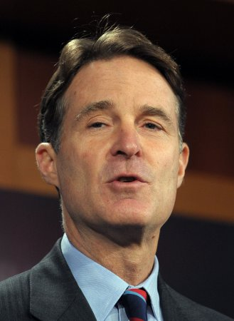 Bayh faults both sides of Congress