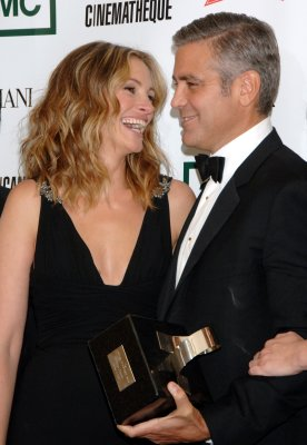 Julia Roberts talks advising George Clooney on marital life: 'I'll get right on that'