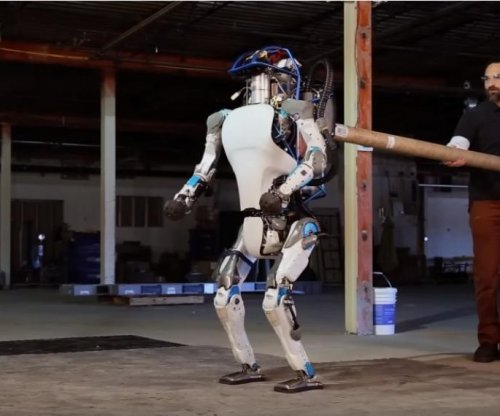 Boston Dynamics robot learns from being bullied