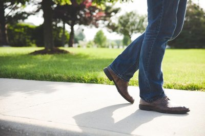 Study finds even regular walking can lower mortality risk