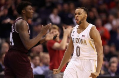 Arizona Wildcats hold on to upset No. 7 Texas A&M Aggies