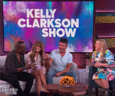 Kelly Clarkson reunites with original 'American Idol' judges