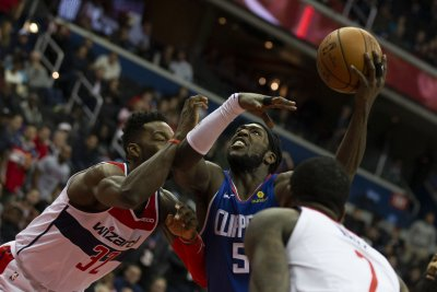 Clippers' Montrezl Harrell returns to NBA bubble after death of grandmother