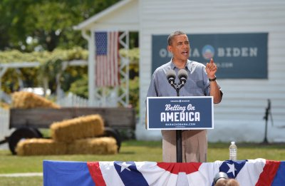 Obama campaign bus tour focuses on economy
