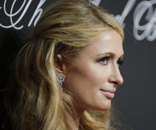 Paris Hilton's famous pooch, Tinkerbell, dies