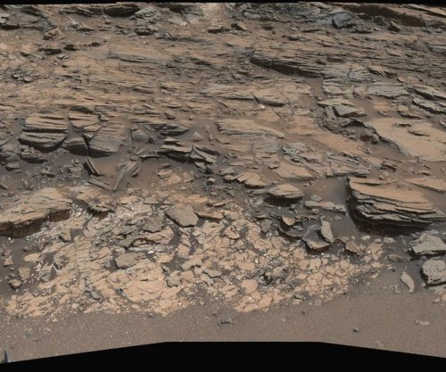 Curiosity rover back to work, studying rock-layer contact zone