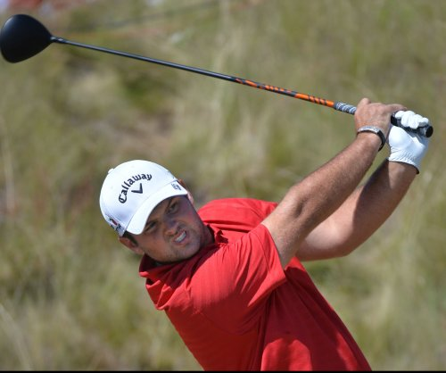 Patrick Reed takes first-round lead at Tournament of Champions