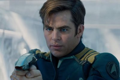 'Star Trek Beyond' second trailer: Enterprise crew is forced to abandon ship