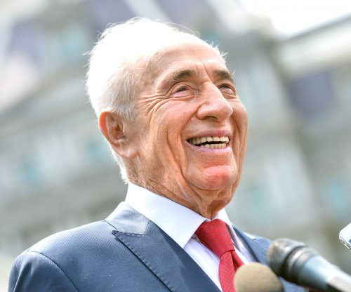 Former Israeli leader Shimon Peres rushed to hospital after stroke