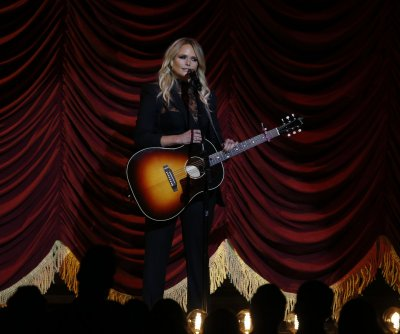 Miranda Lambert to host 'A Home for the Holidays' special for CBS