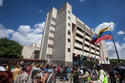 Venezuela high court swears in electoral council members in Constitution sidestep