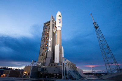 Atlas V rocket launches Air Force satellite at dawn in Florida