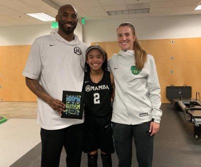 Oregon basketball star Sabrina Ionescu dedicates season to Kobe Bryant