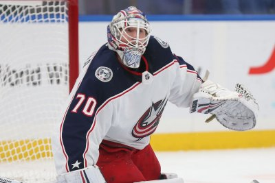 Blue Jackets beat Maple Leafs, advance to NHL playoffs