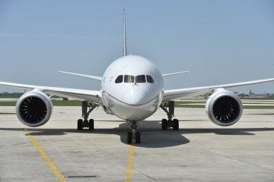 United relaunches 787 Dreamliner