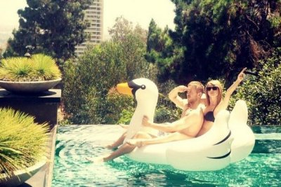 Taylor Swift makes romance with Calvin Harris Instagram official