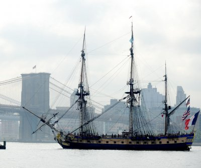 French frigate Hermione parades down the Hudson River