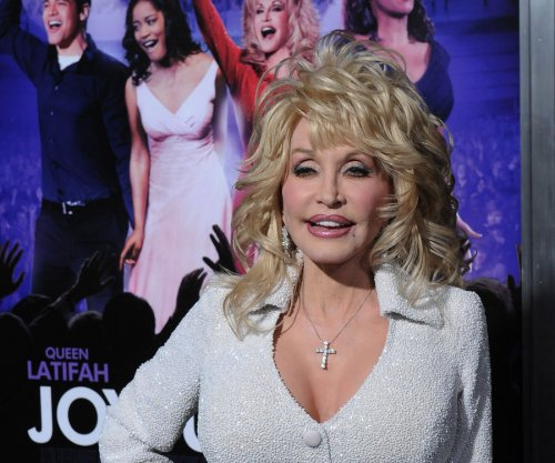 Dolly Parton was brought to tears while filming biopic 'Coat of Many Colors'