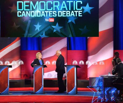 CNN to host Flint debate between Clinton, Sanders