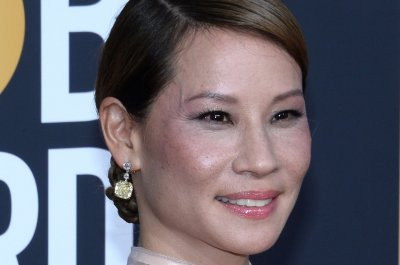 Lucy Liu to receive Hollywood Walk of Fame star May 1