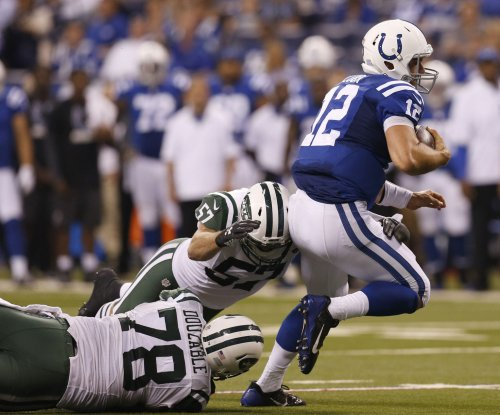 Indianapolis Colts' Andrew Luck increases workout; no word on game status