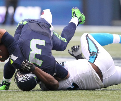 Carolina Panthers edge Seahawks in Seattle