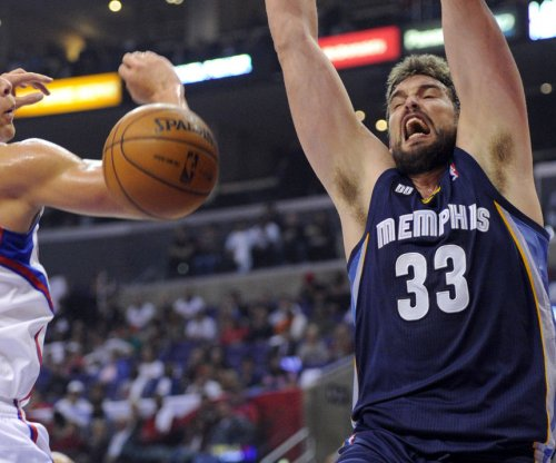 Grizzlies ride Marc Gasol's triple-double to win over Rockets