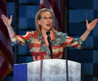 Meryl Streep believes Hillary Clinton has the 'grit and grace' to become president at DNC