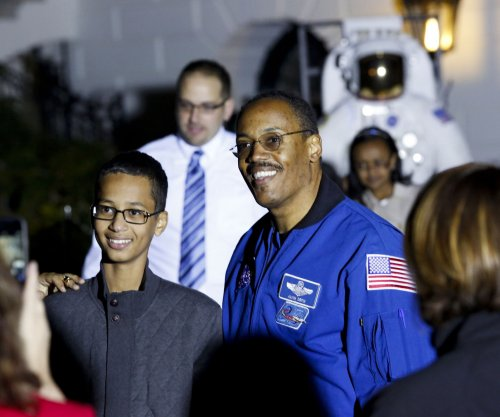 'Clock Boy' Ahmed Mohamed's family sues former school