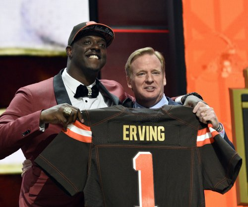 Cleveland Browns' Cameron Erving hospitalized with pulmonary contusion