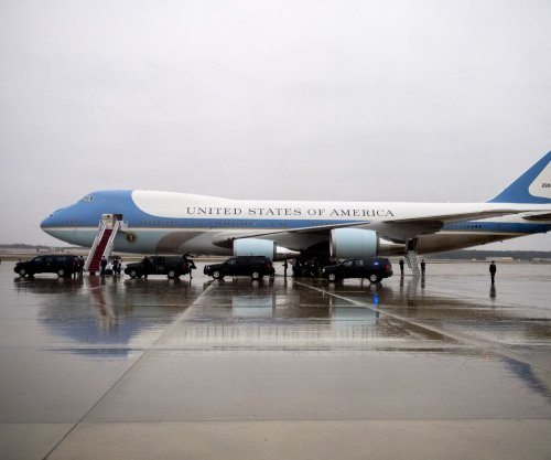 FAA investigating plane flying too close to Air Force One in Florida