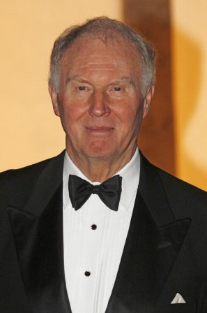 'Jewel in the Crown,' 'King Charles III' star Tim Pigott-Smith dead at 70