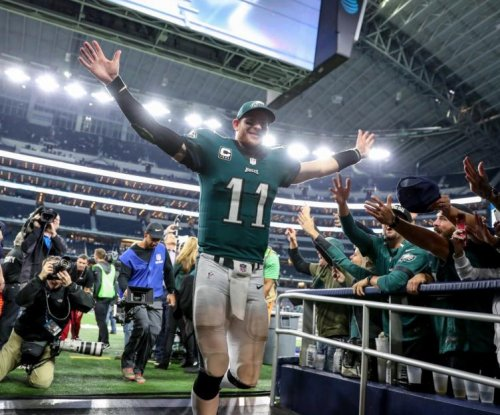 Philadelphia Eagles earn 8th straight win, demolish Dallas Cowboys