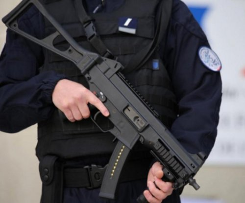 French police arrest 2 Egyptian men in foiled terrorist plot