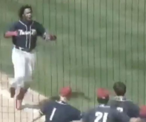 Vladimir Guerrero Jr. goes 4-for-4, hits walk-off homer