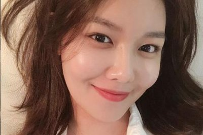 Girls' Generation alum Sooyoung releases debut solo single