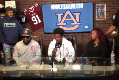 Four-star QB Dematrius Davis commits to Auburn over LSU, Virginia Tech