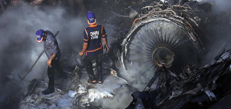 Pakistan officials finish identifying victims of PK-8303 crash ...