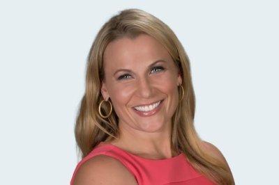 Bucks make Lisa Byington 1st female TV play-by-play announcer in men's pro sports