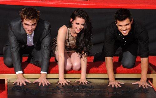 Stewart attends Lautner's 21st birthday bowling bash