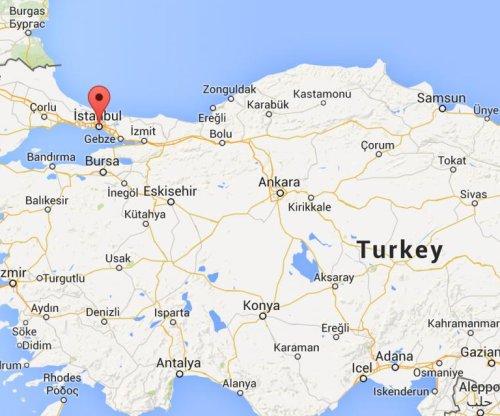 Turkish prosecutor taken hostage dies; captors killed in shootout